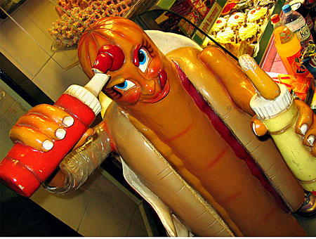 hotdogfast_food_creepy_hot_dog_statue