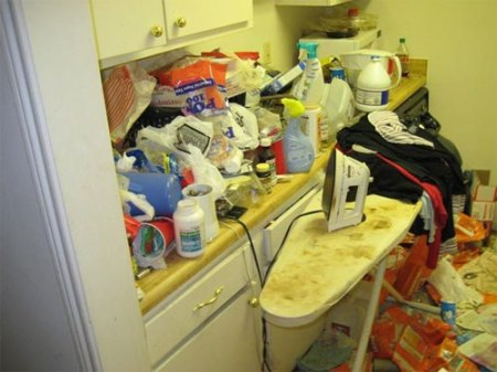 houston_mess_apartment_slob_disgusting_16
