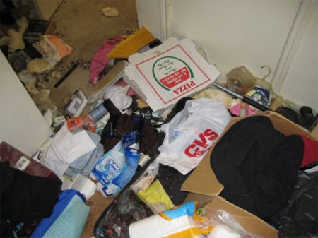houston_mess_apartment_slob_disgusting_4