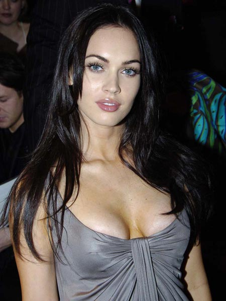 megan_fox_cleavage_5