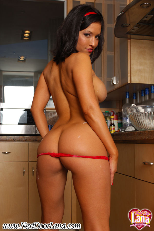 asslana_in_the_kitchen_010