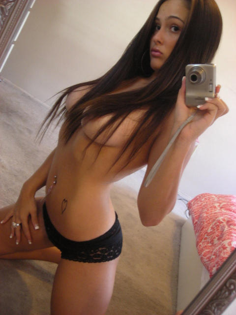 kameraawesomely-hot-1_77