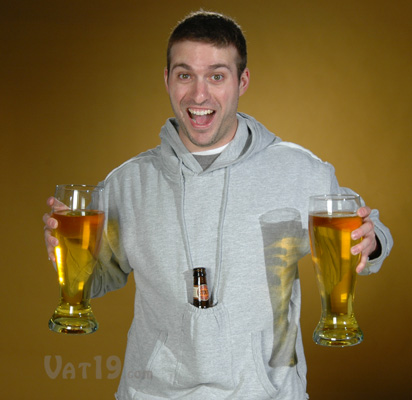00beer-pouch-sweatshirt-hands-free